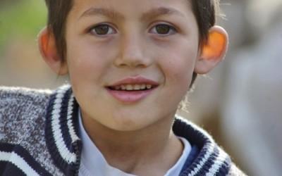 Quand dois-je faire opérer mon enfant des oreilles décollées?